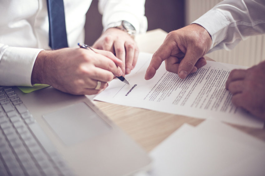 Experienced Business Law & Contracts Attorneys Brighton MI - Gerkin & Decker, P.C.  - iStock_000080926329_Small
